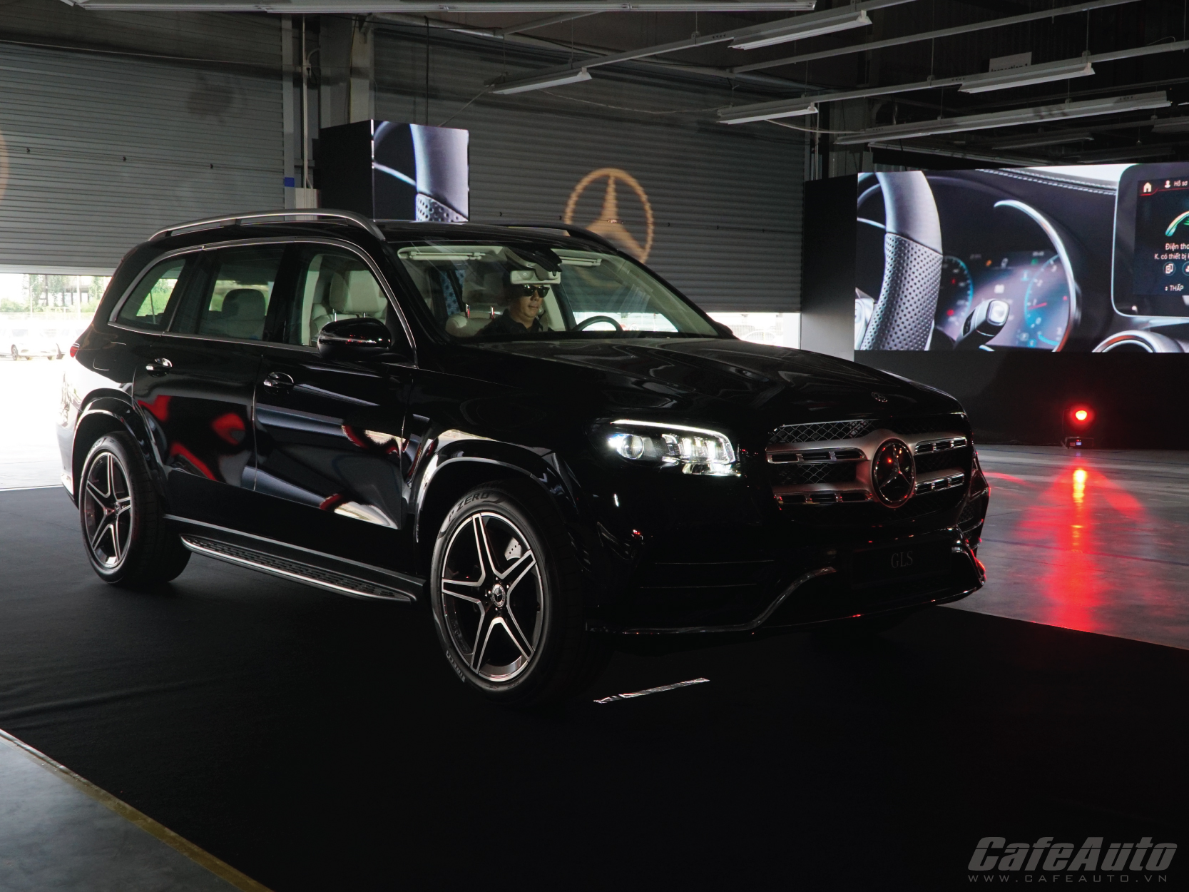 can-canh-gls-450-phien-ban-gam-cao-cua-s-class