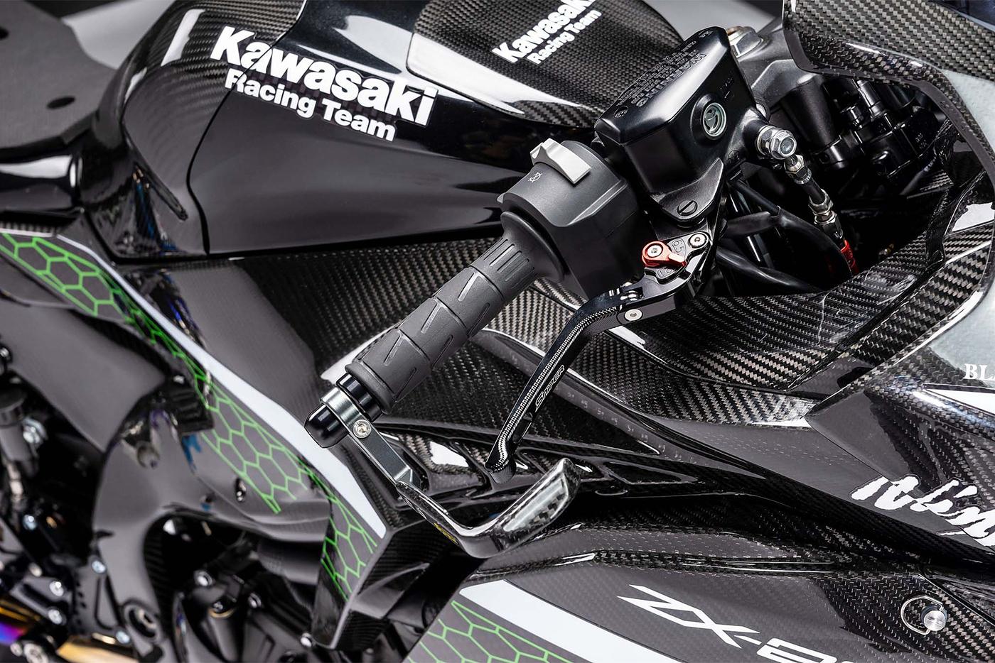 kawasaki-ninja-zx-25r-ban-do-full-carbon