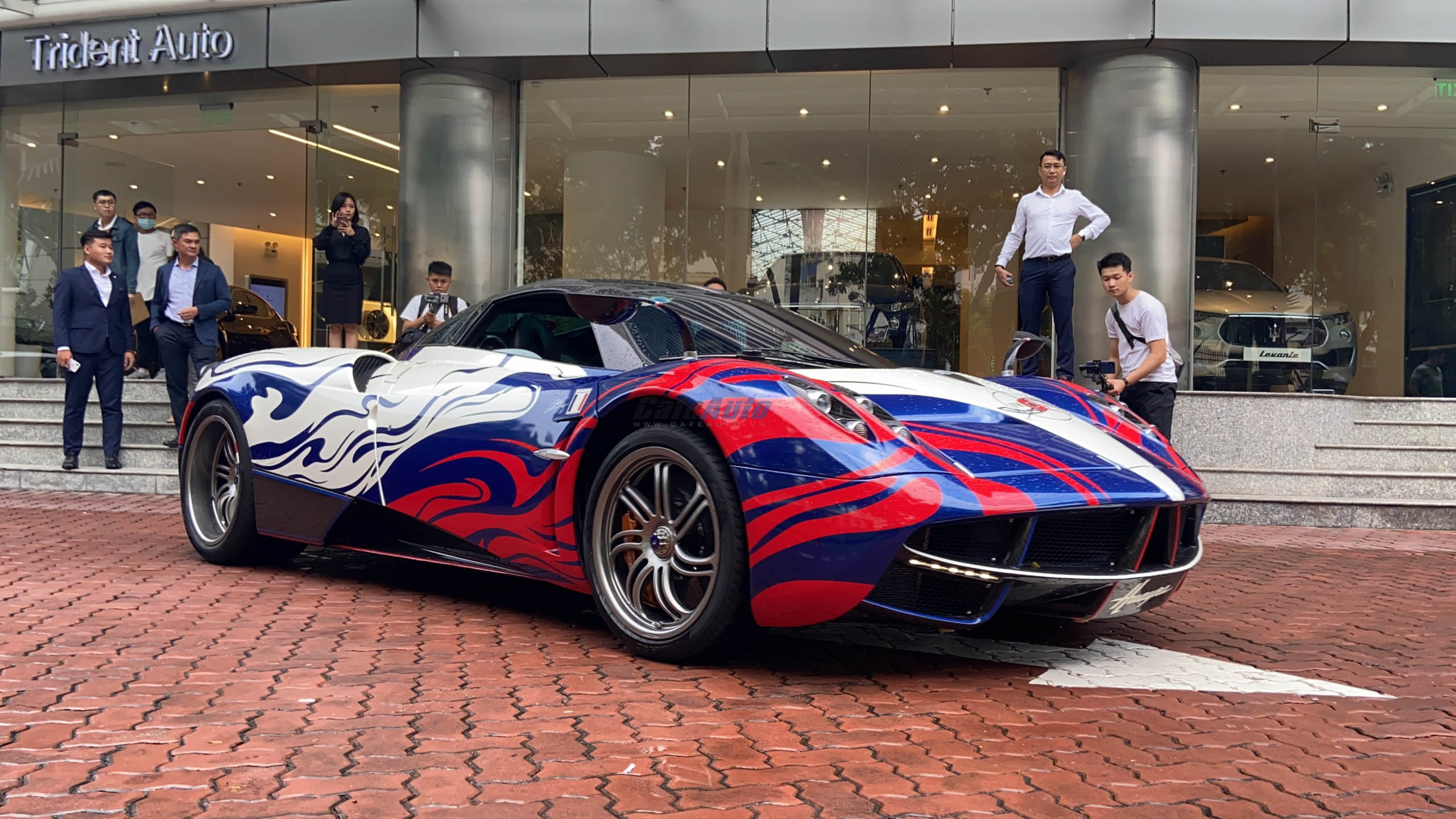 paganihuayra-cafeautovn-19