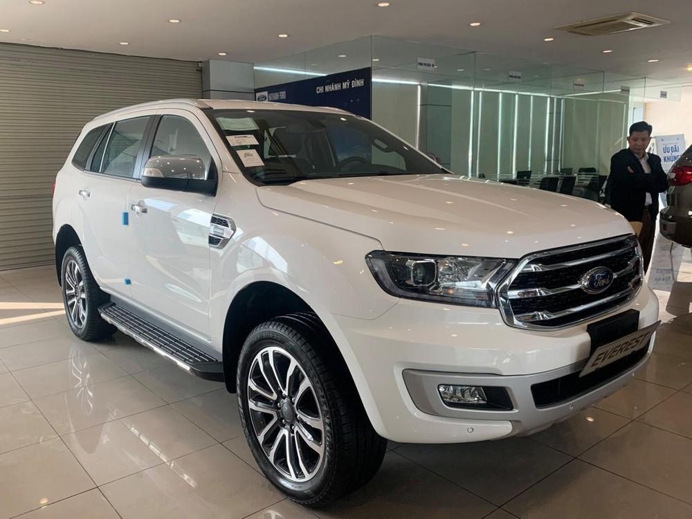 """Hết """"Cô Vy"""" tới """"cô hồn"""", thị trường ô tô Việt Nam đua nhau giảm giá quyết liệt"""