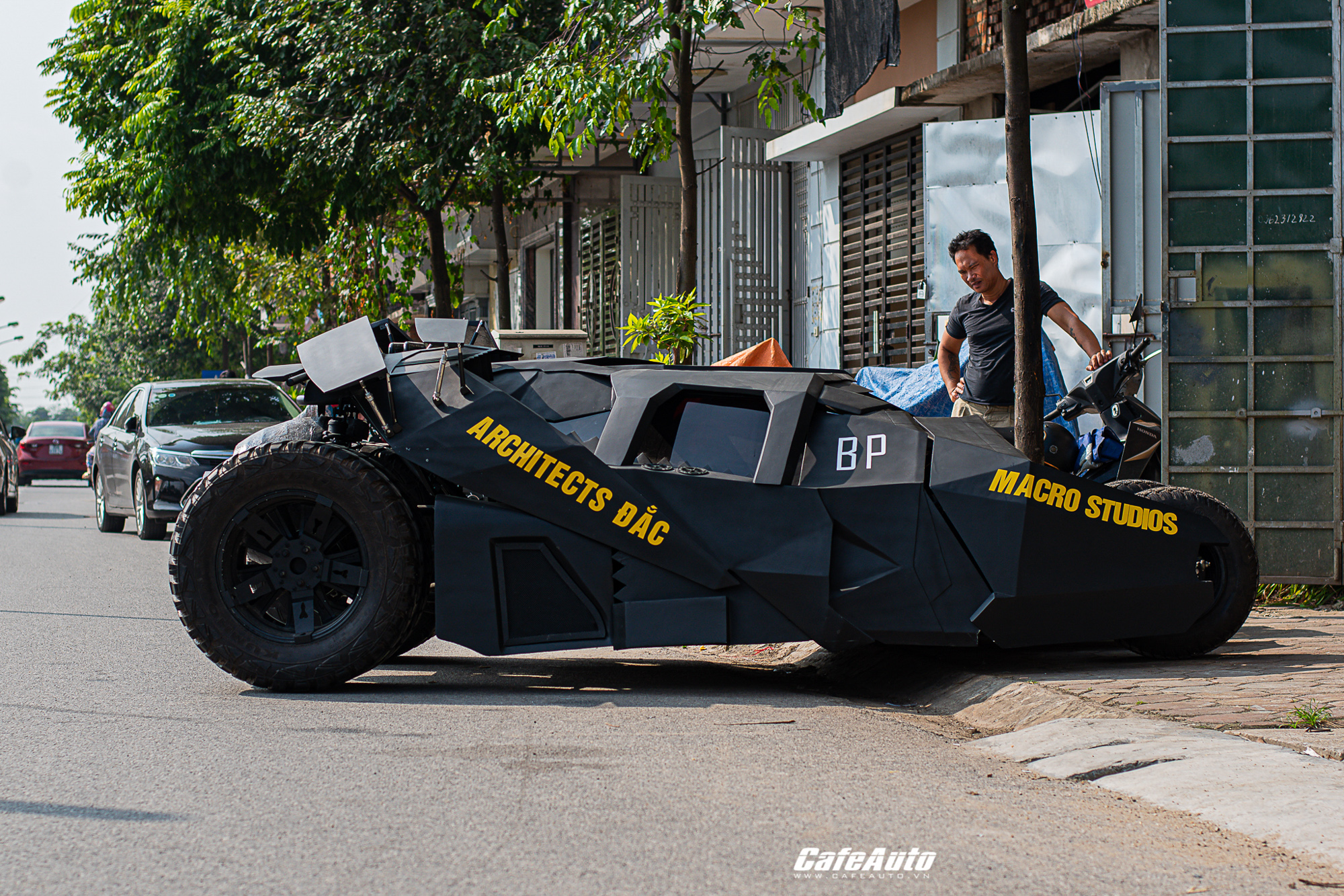 batmobiletuche-cafeautovn-1