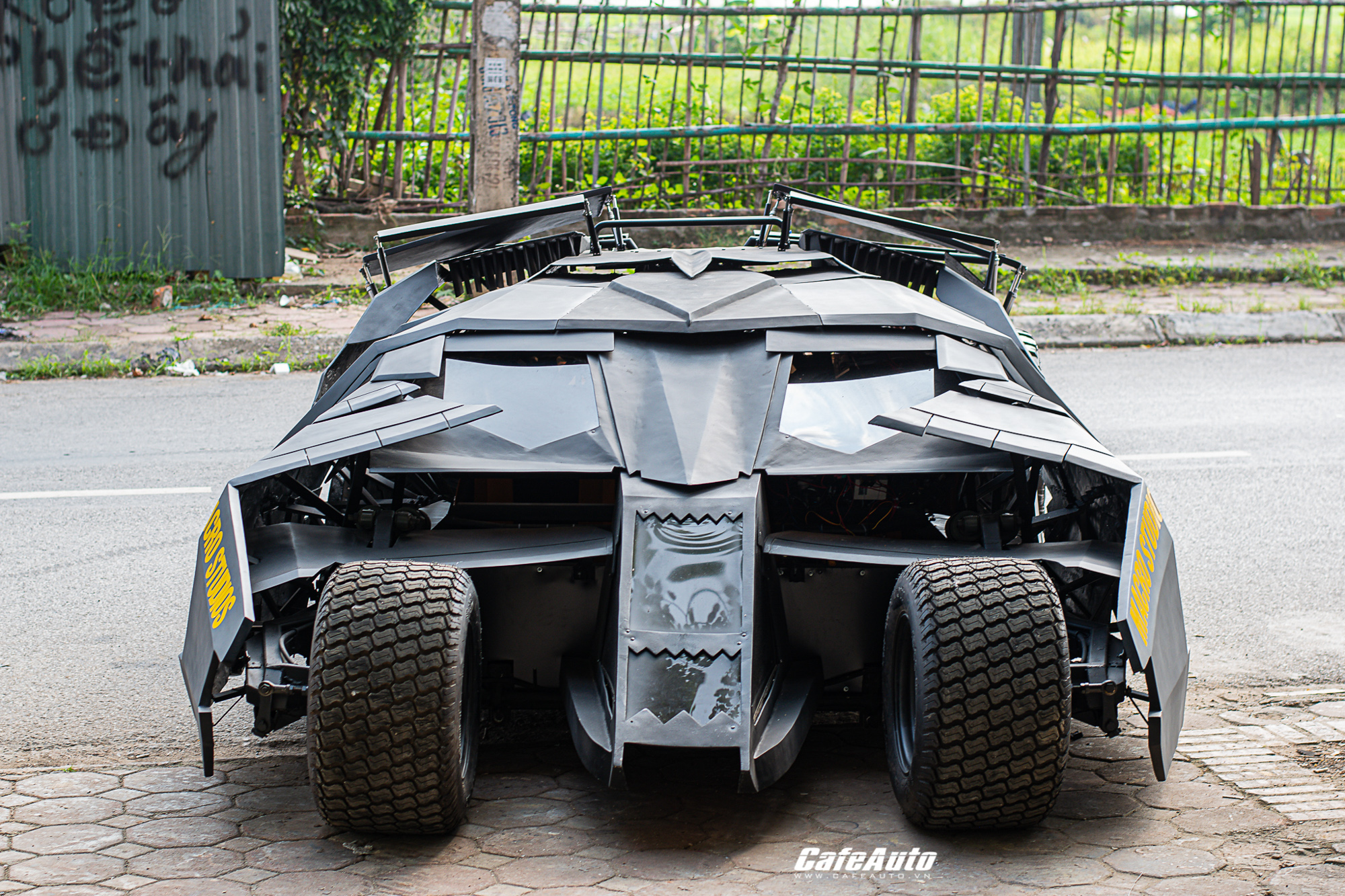 batmobiletuche-cafeautovn-17