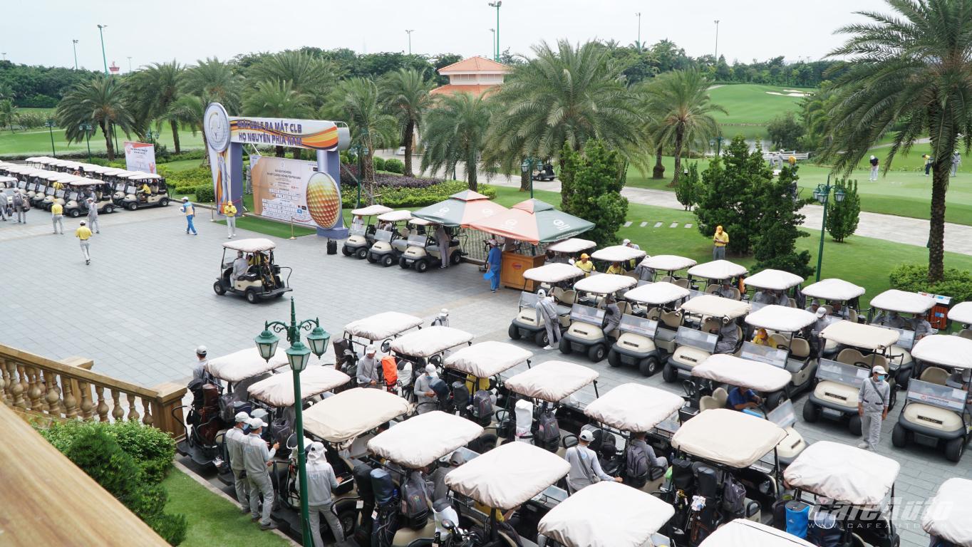 giai-golf-ra-mat-clb-golf-ho-nguyen-phia-nam-quy-tu-hon-260-golfer-tham-du