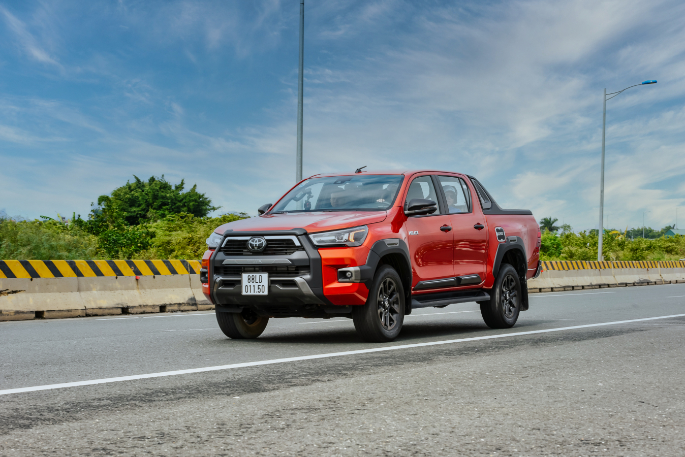 dam-chat-song-cung-hanh-trinh-toyota-suv-2020
