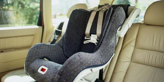 Ghế ô tô dành cho trẻ em cũng có hạn sử dụng