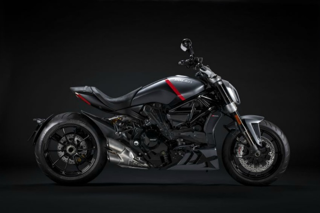 Xdiavel-cafeautovn-1