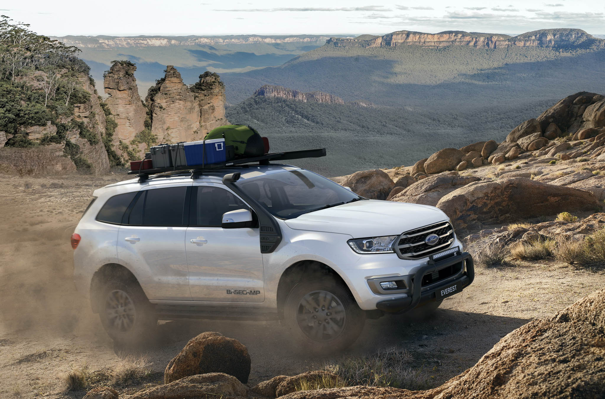 ford-everest-them-phien-ban-doc-danh-cho-ai-thich-cam-trai-gia-cao-nhat-1-1-ty-dong